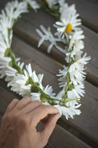 How to make a daisy crown