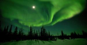http://www.nathab.com/photo-tours/alaska-northern-lights/northern-lights-photo-tour/